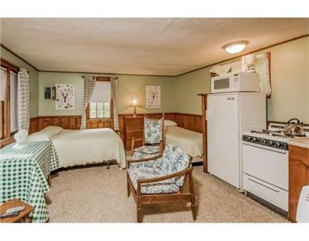 Chatham Cape Cod vacation rental - Efficiency Unit with a queen bed and a twin bed