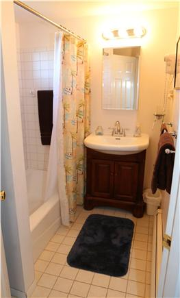Sandwich Cape Cod vacation rental - Full Bath with tub/shower combination.