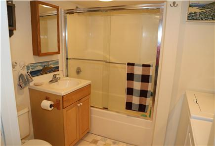 Sandwich Cape Cod vacation rental - Full Bath with tub/shower.