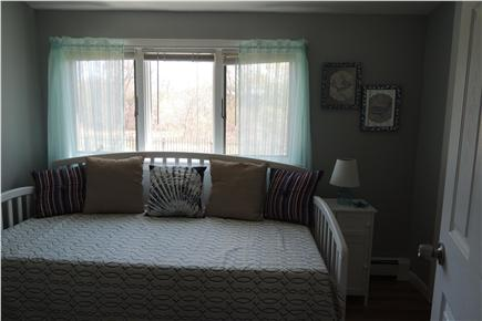 Harwich Port Cape Cod vacation rental - Adorable Bedroom with Day Bed & Trundle