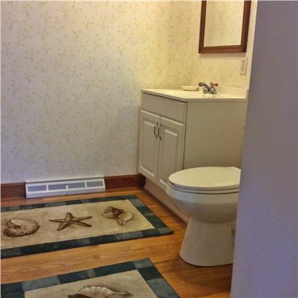 Brewster Cape Cod vacation rental - Half bathroom