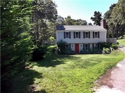 Chatham, Ridgevale Cape Cod vacation rental - Large sunny front yard, set back from the cul-de-sac street