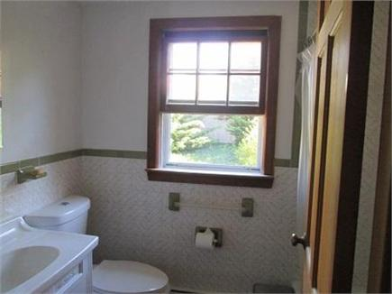 Wellfleet Cape Cod vacation rental - Downstairs Bath