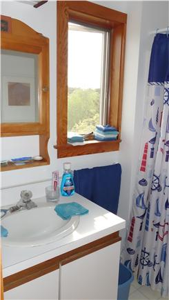 South Wellfleet Cape Cod vacation rental - The upstairs bathroom