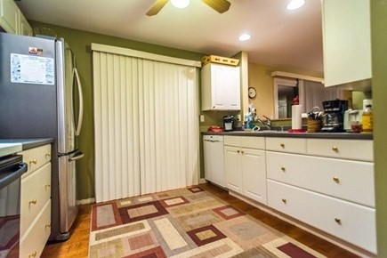 Pocasset, Bourne Pocasset vacation rental - Fully equipped kitchen