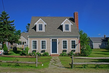 Barnstable Village Cape Cod vacation rental - Charming 4 bedroom Cape housewalking distance to private beach