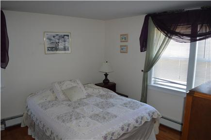 Hyannis Cape Cod vacation rental - Upstairs bedroom with queen bed and 1 twin bed