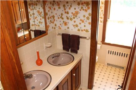 Provincetown Cape Cod vacation rental - Upstairs bathroom with tub/shower