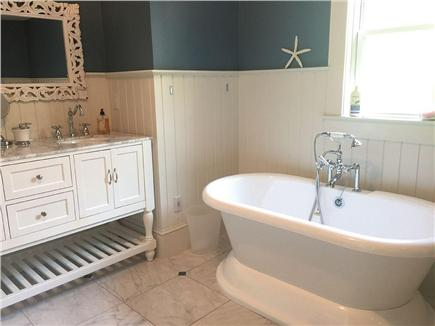 West Yarmouth Cape Cod vacation rental - 2nd floor bath with soaker tub