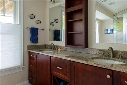 Falmouth Cape Cod vacation rental - Full bathroom