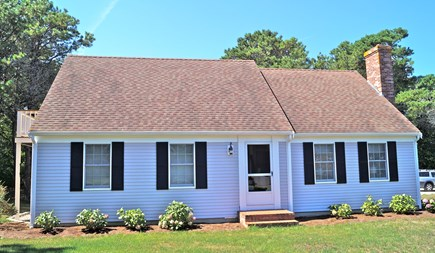 Chatham Cape Cod vacation rental - Front of cape showing master balcony and hydrangea