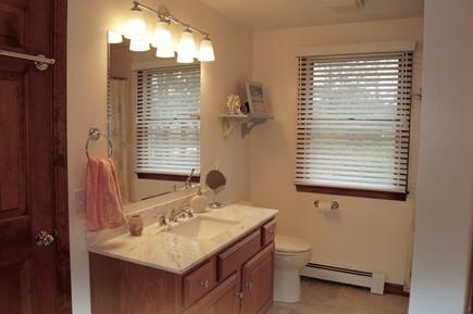 Chatham Cape Cod vacation rental - Second floor full master bathroom