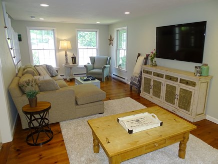 Barnstable Cape Cod vacation rental - Living room area with flat screen TV