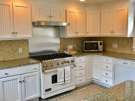 Osterville Osterville vacation rental - Perfect for the chef - a Viking stove!