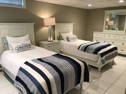 Osterville Osterville vacation rental - Third bedroom with twin beds.