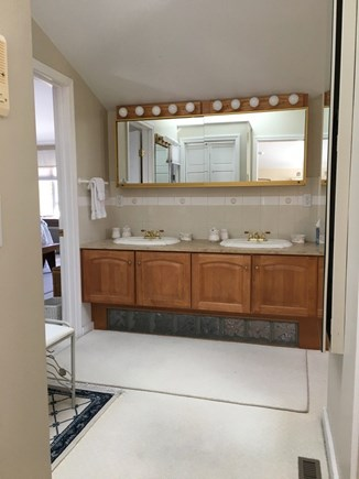 Wellfleet Cape Cod vacation rental - Master Bathroom