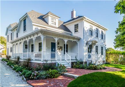 Chatham Cape Cod vacation rental - The Farm House at 411 Stage Harbor Road