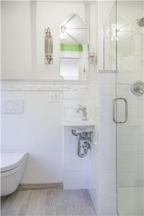 Chatham Cape Cod vacation rental - En Suite bath of the fourth bedroom