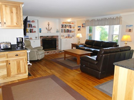 Chatham Cape Cod vacation rental - Living room with 55' flat screen Smart TV