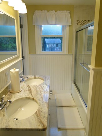 Chatham Cape Cod vacation rental - First floor bathroom, adjacent to Master bedroom