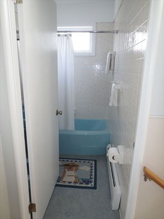 Falmouth Cape Cod vacation rental - Bath