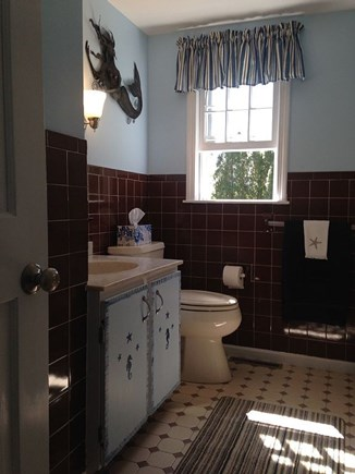 Chatham Cape Cod vacation rental - Full bath w/ shower & tub, first floor
