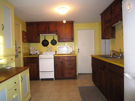 Orleans Cape Cod vacation rental - Cheery kitchen.