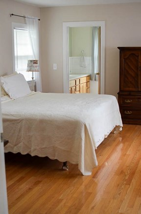 Dennis, North 6A, Bay Beaches! Cape Cod vacation rental - Master Bedroom with en suite full bathroom (shower).