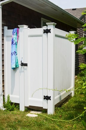 Dennis, North 6A, Bay Beaches! Cape Cod vacation rental - Fantastic large outdoor shower.