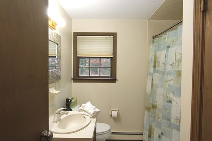 Cotuit, Barnstable Cotuit vacation rental - Full Bath