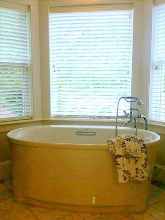 New Seabury New Seabury vacation rental - Bathtub