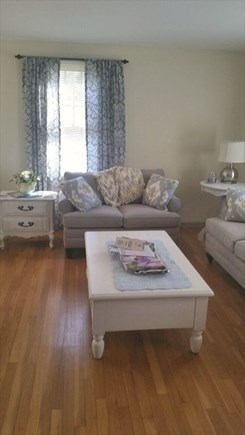Yarmouthport Cape Cod vacation rental - Living area