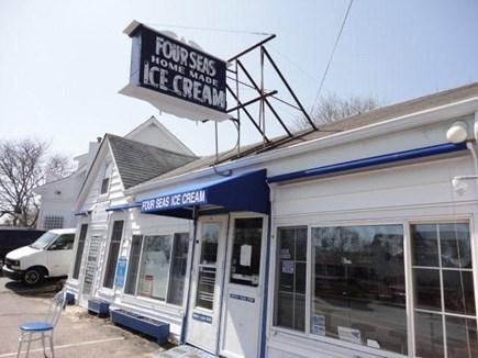Centerville Centerville vacation rental - Famous Four Seas Ice Cream