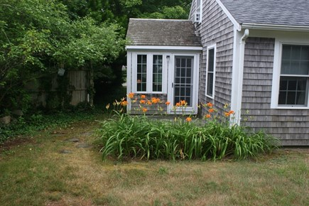 Brewster Cape Cod vacation rental - Spacious inviting yard