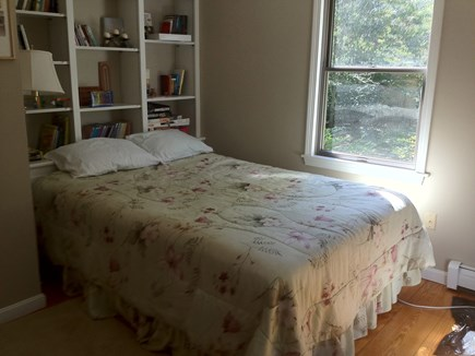 Brewster Cape Cod vacation rental - Queen bed first floor