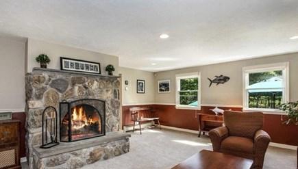 Pocasset, Bourne Pocasset vacation rental - Spacious Family Room