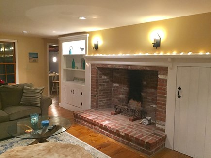 East Dennis /Scargo Hill Cape Cod vacation rental - Living room