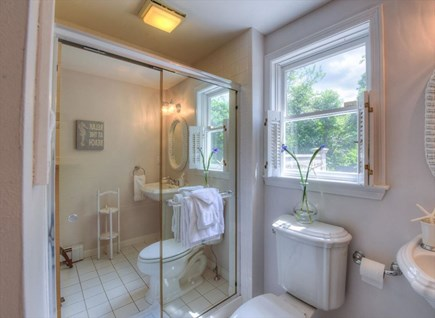West Barnstable Cape Cod vacation rental - Bath 2