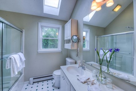 West Barnstable Cape Cod vacation rental - Bath 3