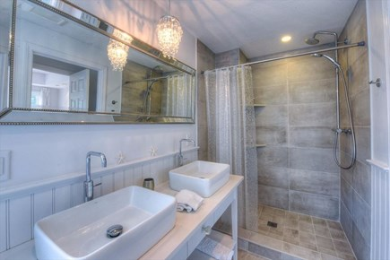 West Barnstable Cape Cod vacation rental - Bath1
