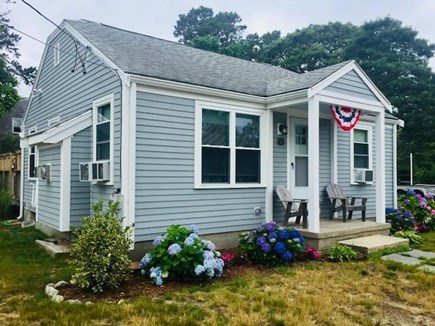 Yarmouth Cape Cod vacation rental - Cottage Front