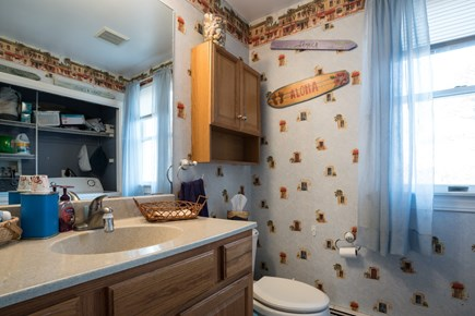 Orleans Cape Cod vacation rental - 2nd full bathroom