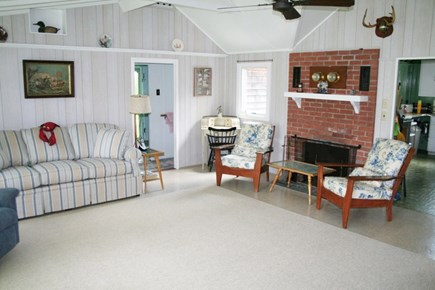Pocasset, Wenaumet Bluffs Association Pocasset vacation rental - Living Area