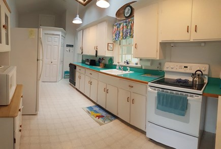 Pocasset Pocasset vacation rental - Kitchen: dishwasher, refrigerator, washer/dryer, microwave, stove
