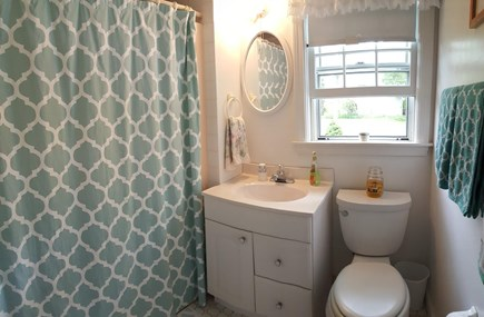 Pocasset Pocasset vacation rental - Full bathroom
