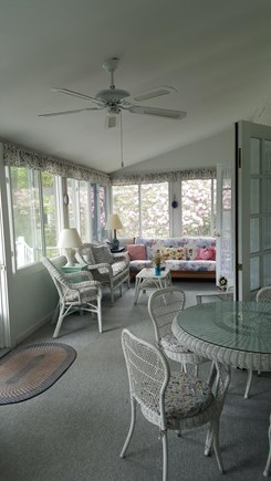 Pocasset Pocasset vacation rental - Front sunroom