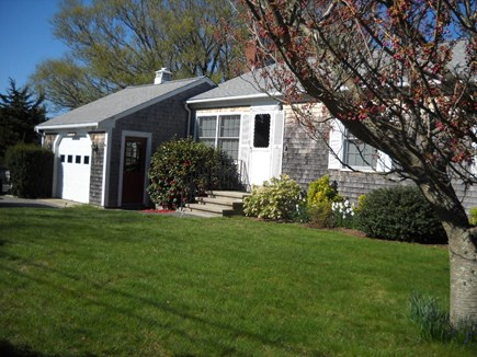 Brewster Cape Cod vacation rental - Front yard of charming traditional Cape Cod style home