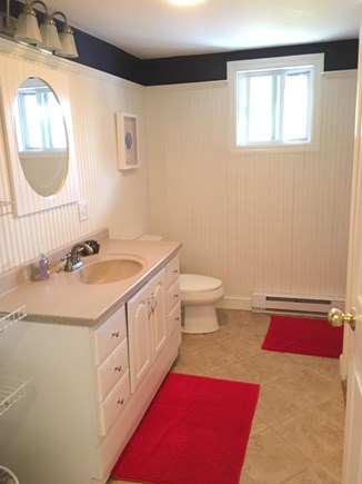 East Dennis Sesuit Neck Cape Cod vacation rental - Bathroom