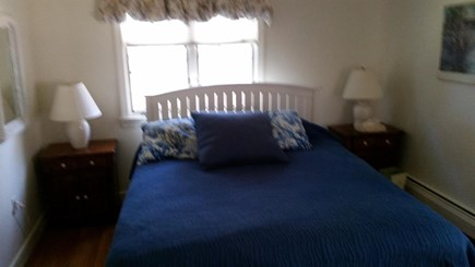 FALMOUTH  Cape Cod vacation rental - Queen with half bath