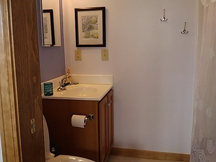 Wellfleet Cape Cod vacation rental - Full bath en suite second bedroom